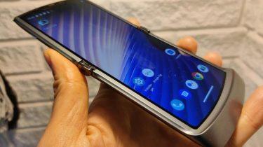 Første indtryk og test af Motorola Razr 5G