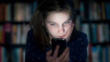 Selvmord er tema i videoer børn laver om digital mobning