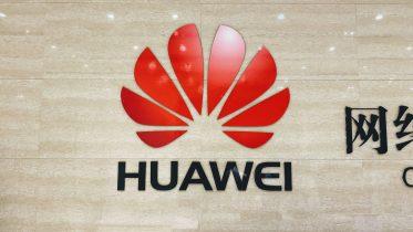 Huawei efter påstand om ulovlig aflytning: Undersøg os