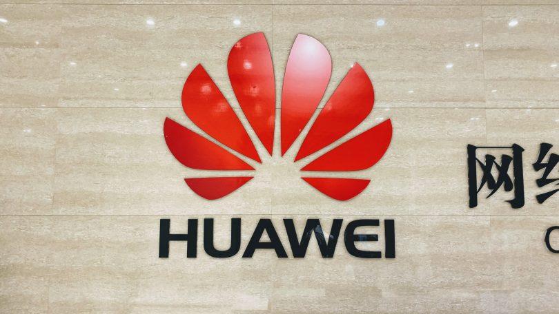 Huawei anklages for at have lyttet med på mobilsamtaler i Holland