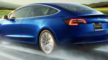 Tesla-biler kan måske snart åbnes med iPhone