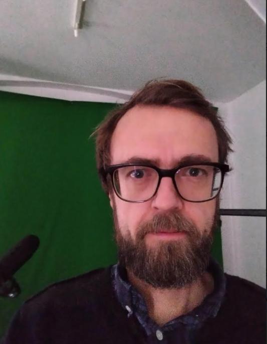 nokia 5.4 kamera selfie mørke.jpg - Kopi