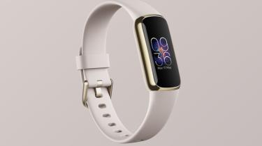 Fitbit Luxe aktivitetstracker med mange avancerede tracking-muligheder