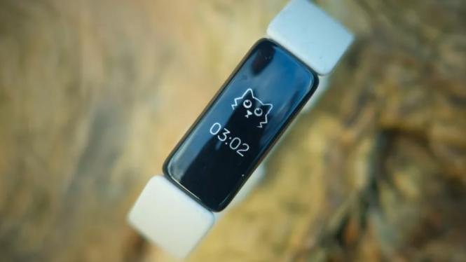 Fitbit Luxe lækket ud – superlækker fitness-tracker med OLED-skærm
