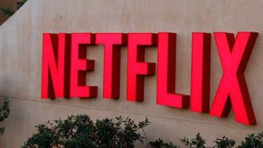 Steven Spielberg chokerer: Skal producere film for Netflix