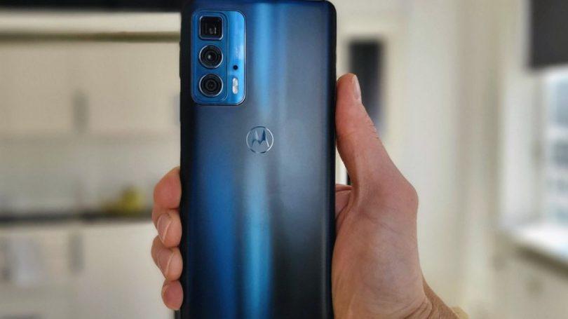 Test af Motorola Edge 20 Pro – Når den almindelige er et bedre køb