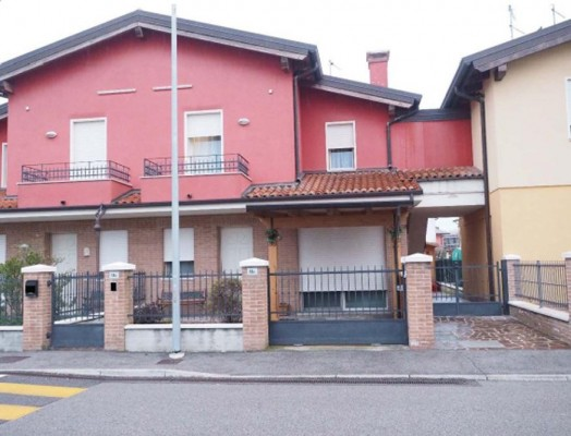 Telematik Auktion Abitazione di tipo civile zum Verkauf in Villadose ...
