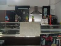 N.1 Banco esposizione pasticceria in acciaio e vetro di circa 200 cm di lunghezza , ...