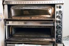N.1 forno elettrico in acciaio a due camere