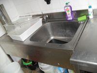 Lavandino con gocciolatoio in acciaio Inox