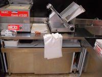 n.2 Tavoli in acciaio inox, retrobanco macelleria e salumeria