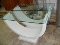 N. 2 Tavoli di forma semicircolare