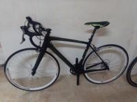 Bicicletta ''Merida'' scultura di colore nero