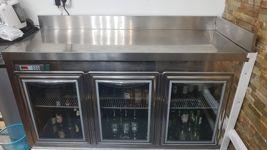 Bancone frigo in acciaio a 3 ante
