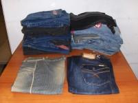 N° 25 paia di jeans