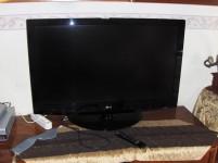 Televisore 42 pollici schermo piatto marca