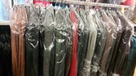 Stock di vari articoli di abbigliamento Donna