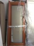 Lotto 5 - Porta interna in legno color ciliegio con vetro