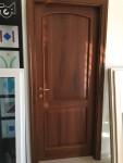 Lotto 60 - Porta interna in legno noce misura