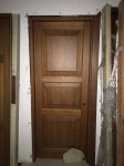 Lotto 69 - Porta interna in legno noce