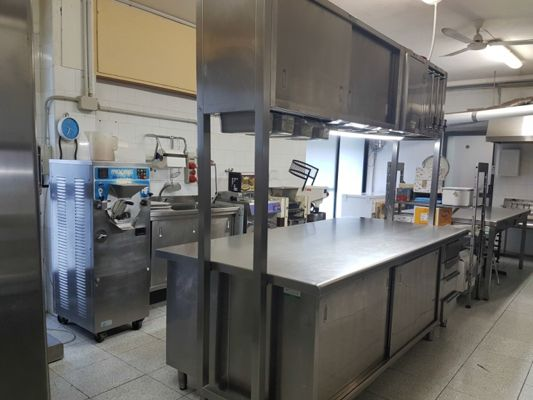 Telematics Auction Stock of equipment for pastry bar on sale | DoAuction