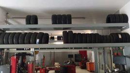 Stock composto da N. 133 pneumatici per moto nuovi di diverse dimensioni e marche