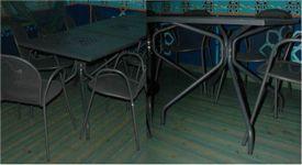 Tavoli quadrati in ferro tubolare colore grigio scuro