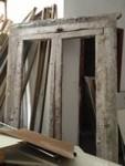 Porta-finestra in legno, dimensioni 128 cm x 215 cm.