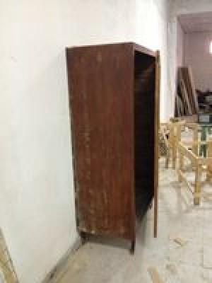 Armadio in legno ad un anta, dimensioni: larghezza 1,20 m ...