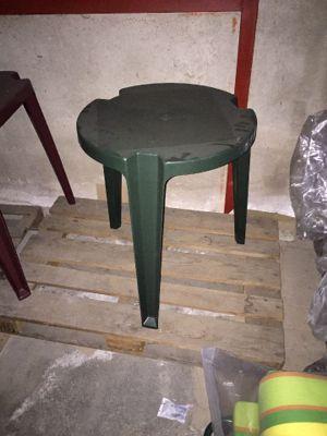 Sdraio In Plastica Verde.N 1 Cuscino Per Sdraio N 12 Tavoli Di Plastica Di Varie Forme