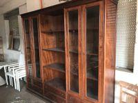 Parete attrezzata in legno 2,40 m x 2,40m con ante in vetro e cassetti