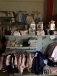 Stock capi di abbigliamento bambino camicie