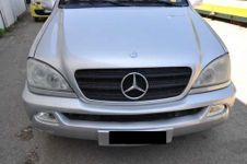 Autocarro, marca Daimlerchrysler AG MB 163 ML 270 CDI