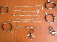 N.13 bracciali + 2 portachiavi marca Agata Gioielli