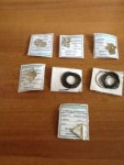 N.85 lacci con ciondoli in acciaio/oro
