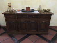 Stock di arredi in legno stile classico