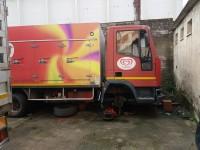 1)Autoveicolo marca IVECO
