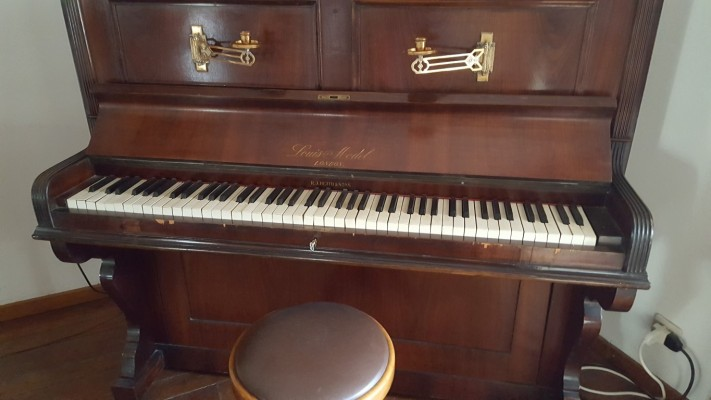 Telematics auction pianoforte louis e model london zu verkaufen