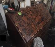 Ribalta intarsiata in legno e avorio