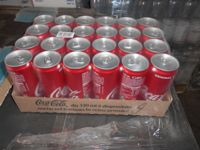 N.50 casse contenenti ciascuna 24 lattine di Coca Cola da 330 ml