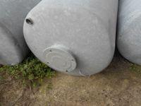 N. 4 serbatoi zincati verticali, capienza 1.000 litri