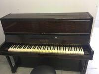 PIANOFORTE VERTICALE IN RADICA MARCA ROGERS LONDON