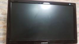 Televisore Samsung 24 pollici schermo piatto
