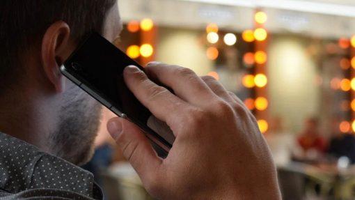 Hvordan får man bedre lyd til samtaler på mobilen?