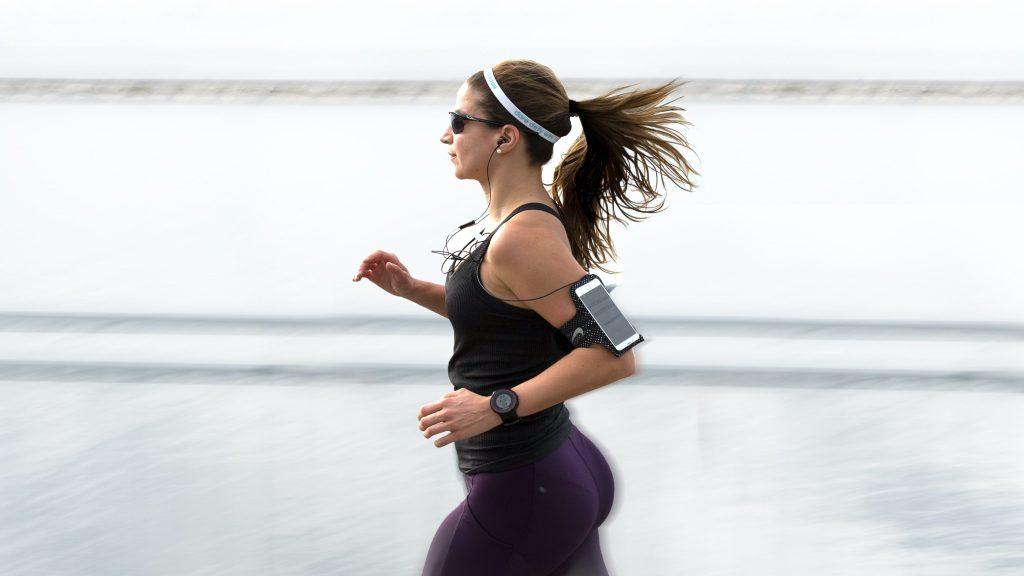 Bedste telefoner til fitness eller løbeturen