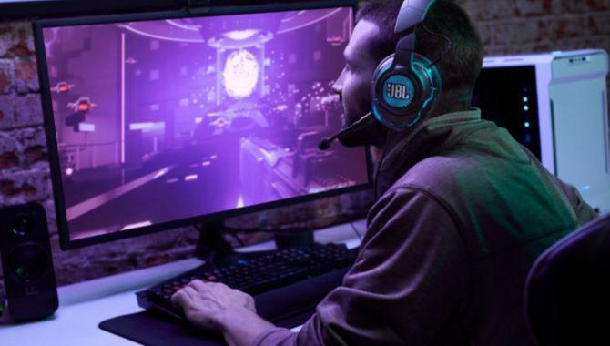Nye Quantum gaming-headset fra JBL