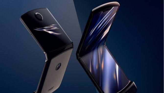 Motorolas foldbare Razr kan nu forudbestilles
