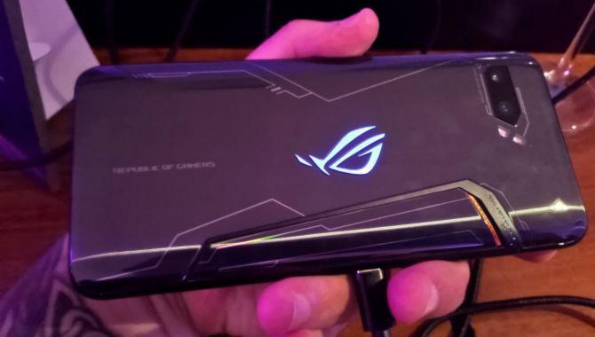 Sådan ser ASUS ROG Phone II ud indvendigt