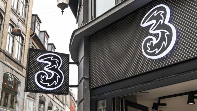 Teleselskabet 3 fejrer åbning af ny butik