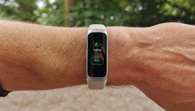 Test: Samsung Galaxy Fit – En god fitness tracker